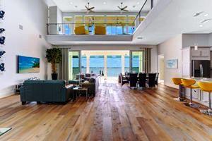 traumhafte villas in florida - villa bequia living lounge